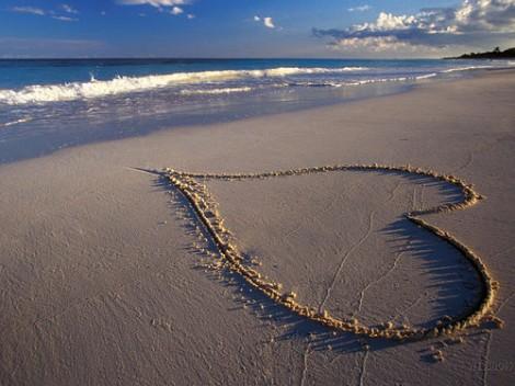 ljubav-ljubavne slike-crce u pesku