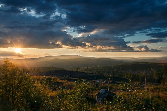 goat_mountain_by_robinhedberg-d7t3fmp.jpg